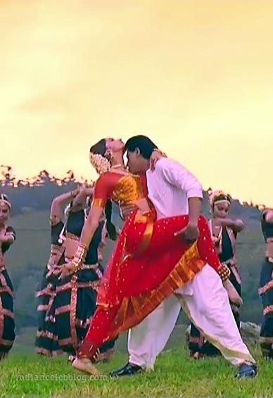 Deepika padukone chennai express S1 29 hot saree caps ...